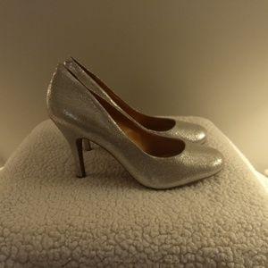 Jessica Simpson women's dress pump silver